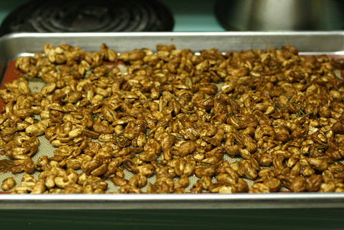 Spicy Sweet Roasted Nuts (peanuts and cashews)
