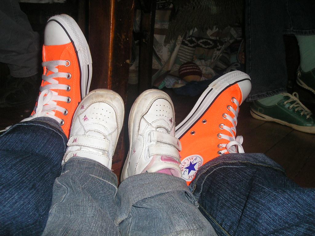 converse naranjas fosforecentes