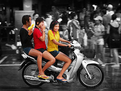 a wet ride (AraiGodai) Tags: water festival thailand fight interesting explore songkran araigordai raigordai araigodai