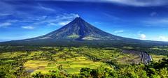 Daragang Magayon (thelibotero) Tags: volcano nikon philippines mayon bicol legazpi albay naturesfinest sinjin d40 mayonvolcano nikond40 superbmasterpiece diamondclassphotographer teampilipinas sinjinph