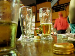 Redondo, redondo (.Tath) Tags: beer drink amarelo cerveja raugusta