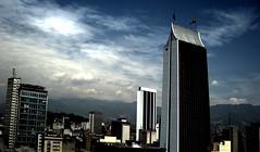 Edificio Coltejer, Medellin - Colombia (Jesús Gutiérrez Gómez) Tags: city urban clouds buildings high edificios colombia jesus edificio ciudad nubes gutierrez urbano range medellin hdr coltejer sonydscw90 dinamique