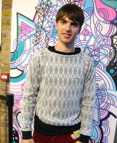 Sam from Late Of The Pier with QOS New diamond-shape patternd jumper!