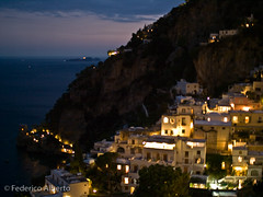 Positano Nocturno (Federico Alberto) Tags: sunset sea italy mountain atardecer mar twilight italia barco ship cityscape afternoon dusk olympus positano puestadesol e3 nophotoshop montaa crpuscule nightpicture crepsculo paisajeurbano fotonocturna nohdr olympuse3 flickrlovers leicad25mm