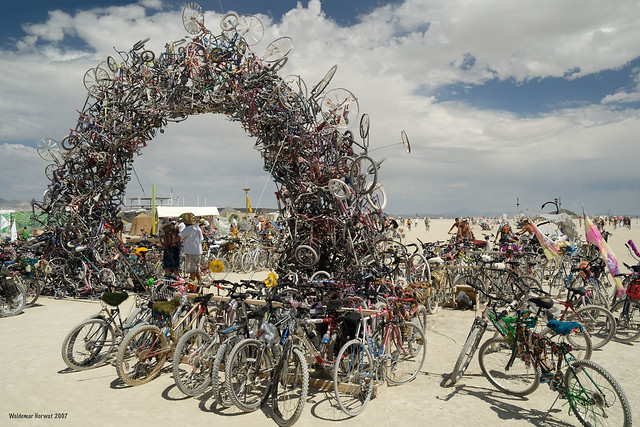 Bike Arch by Ilana Spector and Mark Grieve, Photo by Waldemar Horwat