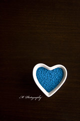 Lovin The Blues (Michelle in Ireland) Tags: blue decorations white table dish heart minimal sugar explore shape soe cakedecorations onblack blueribbonwinner msh0109 bej challengeyouwinner platinumphoto msh01099
