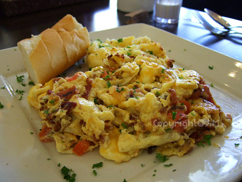 Applewood Smoked Bacon and Cheddar Scramble