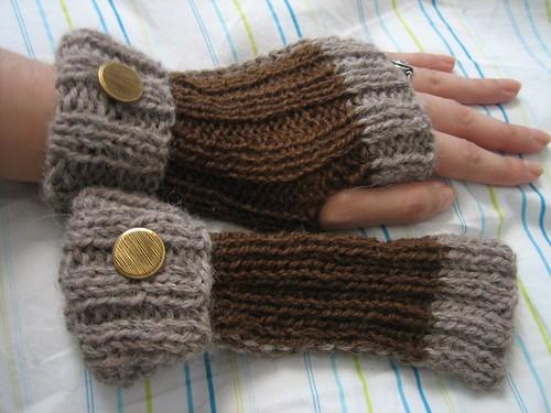 Two Toned Alpaca Wristwarmers: On