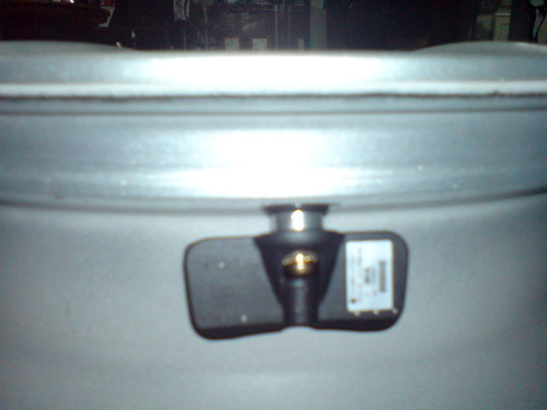 3M TPMS 安裝於鋼圈內