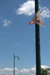 (Silvia Rebelo) Tags: azul brasil poste florianpolis ribeirodailha cuazul festadodivino bandeirinhas