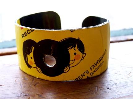 record bracelet