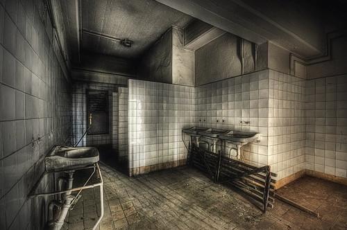 [ bathroom ]