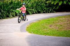 wheeee (Os Sutrisno) Tags: bicycle nikon child botanic d300 1755mm28 myfacebook