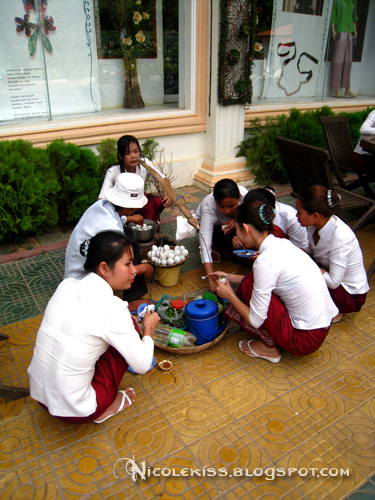 sales girls gathering eating duck fetus eggs