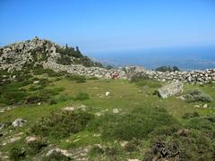 1er muret-enclos de pierres : passage du versant SE au versant NW
