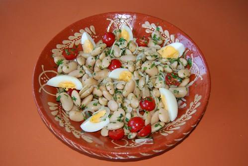 salade van grote bonen en tomaat