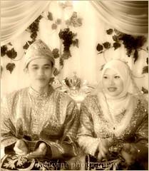 waiting for tepung tawar (emadivine) Tags: wedding portrait smile hijab explore muslims sephia malay pelamin merenjis cherryontop bersanding blackwhiteaward goldstaraward thechallengefactory emadivine womenexpression