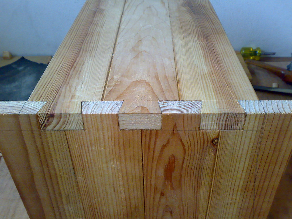 stool dovetails