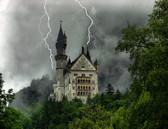 The Castle was not Snow White's house, but her mother in laws. (filippo rome) Tags: storm castle germany neuschwanstein anticando