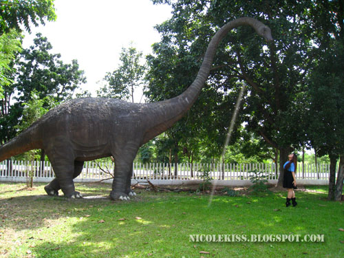 me kissing Brachiosaurus