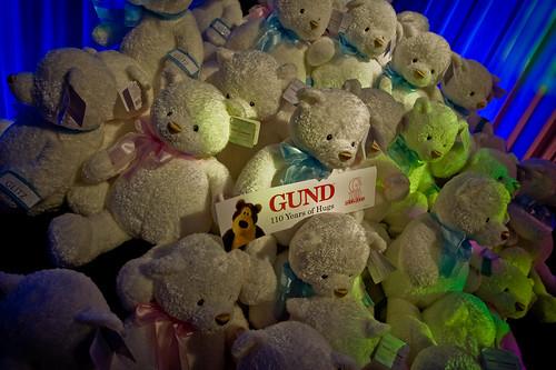 A pile o' bears
