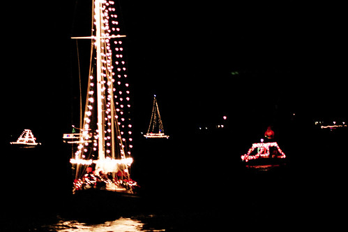 boat christmas parade 5