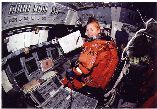 STS-112 / ASHBY MELROY WOLF MAGNUS SELLERS TIURIN / ATLANTIS