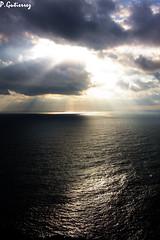 """CONTRALUZ BAHIA SUR (CODIGO DE LUZ """"El Fotgrafo"""") Tags: sol mar nubes tormenta mediterrneo horizonte claroscuro rayos acantilados montehacho ceutaperladelmediterrneo saltodeltambor tff3 tff5"""