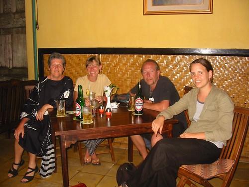 Laatste aperitief met onze Nederlandse dames