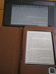 Bookeen Cybook and Asus Eee indoors