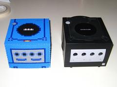 Gamecube 3D Bead Sprite, Comparison Front (Doctor Octoroc) Tags: nintendo videogames gamecube hamabeads perlerbeads beadsprite doctoroctoroc