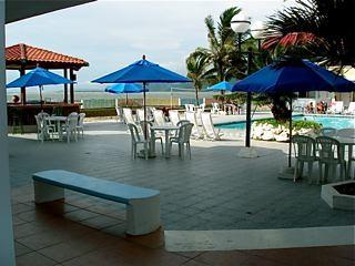 freedom-lifestyle-in-Bahia-Ecuador