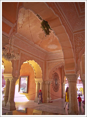 North India - Inside the City Palace of Jaipur (Megara Liancourt) Tags: india jaipur citypalace sonydscf828 artisticexpression worldbest impressedbeauty superbmasterpiece flickrelite