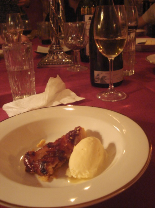 Tarte tatin with vanilla icecream