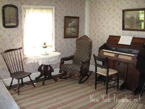 Crosby house parlor 1