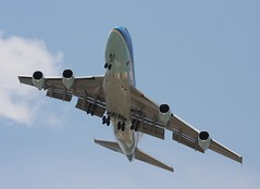 Boeing VC-25A - SAM 2800 Air Force One Transitioning to Short Final for EFD (AV8PIX Christopher Ebdon) Tags: force sam airforceone boeing blackhawk usaf 747 757 pag secretservice potus seaking sikorsky c32 airforce1 airlift vh3d marineone air presidentialmotorcade vc25a 747200 presidential one hmx1 group sam29000 usss wing vh60n sam28000 89thairliftwing 89th sam2800 presidentialairliftgroup sikorskych53eseastallion