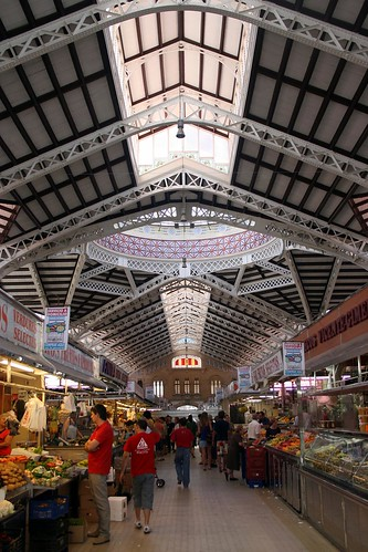 Valencia Central Market (Photo by Nestosjp)