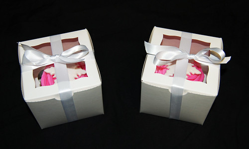 boxed pink snowflake jumbo cupcakes
