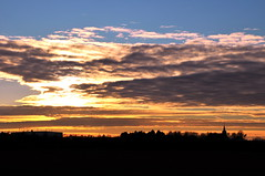 Store Magleby Church, Denmark (OrangUtanSam) Tags: sunset sky cloud sun clouds denmark dragør skies copenhagenairport øresund dragoer redskies oeresund