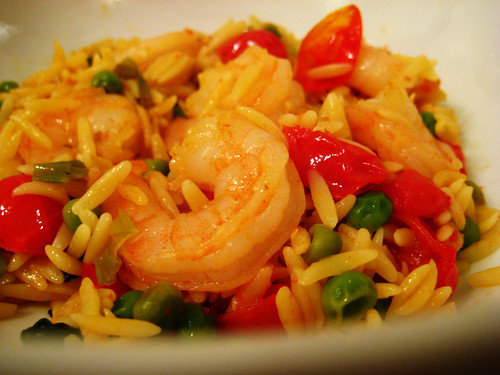 orzo with shrimp, peas, spinach, and grape tomatoes