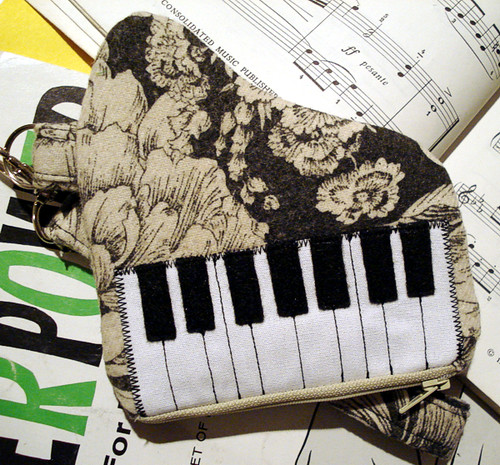 Baby Grand Piano Pouch- Gray Floral