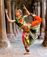 Bharatanatyam - bharata natyam -classical traditional indian dances   traditional (Bharatanatyam dance in Chennai - Bharata natyam Bh) Tags: costumes music history dance dancers indian traditional dancer classical songs classes mudras bharatanatyam dances natyam arangetram bharata