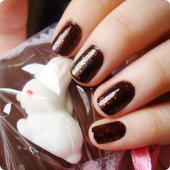 1 de maio de 2011 (Dani Sayuri.) Tags: wild brown color rabbit bunny wet angel easter purple chocolate nail n polish christine páscoa coelho trufa zone roxo bunnie marrom lacquer unha esmalte sancion flocado flakies