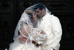 orrore metropolitano (2) (g_u) Tags: people florence gente persone firenze duomo gu matrimonio bacio ugo sposi