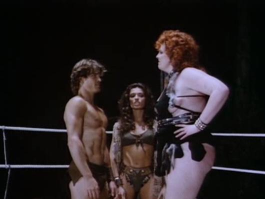 John Terlesky, María Socas y Dee Booher en 'Deathstalker II'