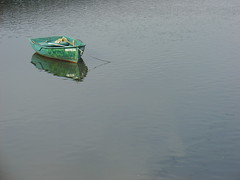 Alone (stukinha) Tags: blue parque winter reflection verde green portugal water beautiful rio gua espelho azul river mirror march boat europa europe alone barco peace natural little thing small transport poor floating peaceful tranquility serenity lonely minimalism simple inverno litoral stillness reflexo tranquilidade braga norte transporte barquito lonelyness pequeno s maro minho esturio esposende fo sozinho embarcao barquitos serenidade cvado buoyant challengeyouwinner diamondclassphotographer flickrdiamond stukinha photofaceoffwinner thechallengegame challengegamewinner pfogold friendlychallenges anacompadre thechallengefactory