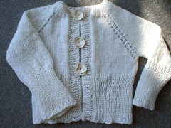 the white cardigan 012a