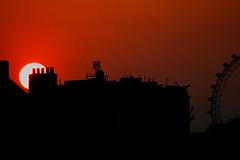 London Eye silhouette (AKinsey Foto) Tags: sunset sky orange sun london eye canon lens eos dusk af 70300mm tamron 400d