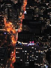 una piedra en el camino (sinor favela / fotos voladoras) Tags: nyc light newyork building luz blood 2008 flatiron sangre sinorfavela