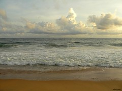 Mother sea.. (karelighter) Tags: sea ilovenature lumix fz20 kerala panasonic trivandrum technopark shangumugam karelighter